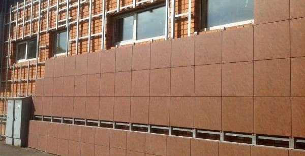 Навесной вентилируемый фасад из облицовочных материалов